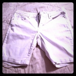 Massimo womens white Bermuda jean shorts sz 14